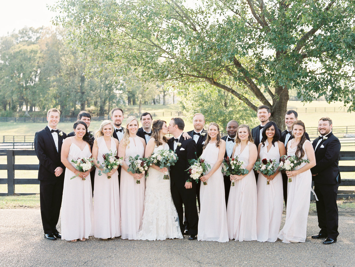 656_Anne & Ryan Wedding_Lindsay Vallas Photog