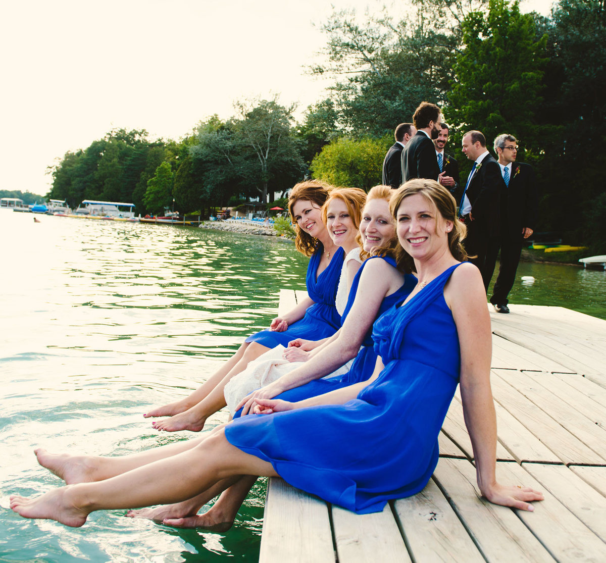 bridesmaids_pier_feet