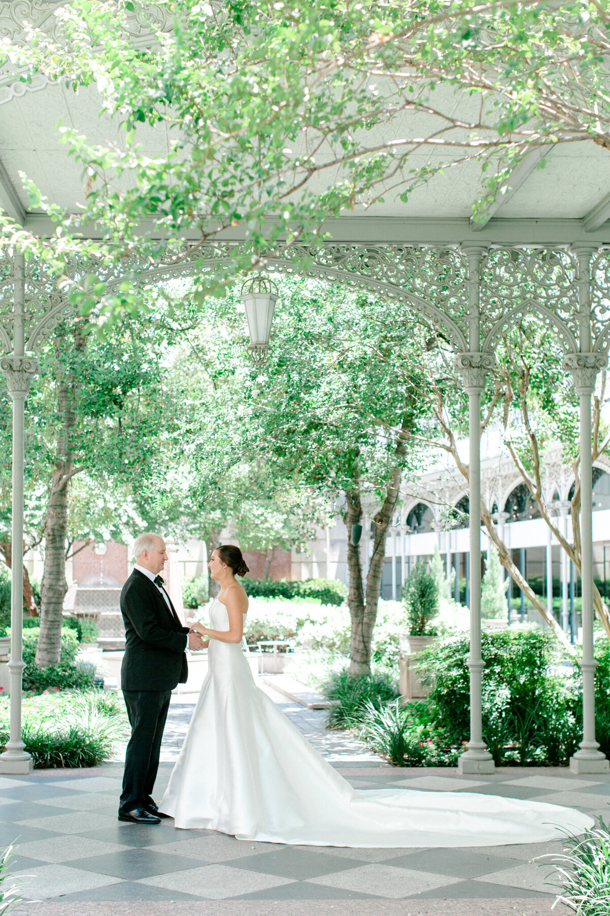 Wedding at the Crescent Court Hotel and Highland Park United Methodist Church in Dallas | Sami Kathryn Photography | DFW Wedding Photographer-45