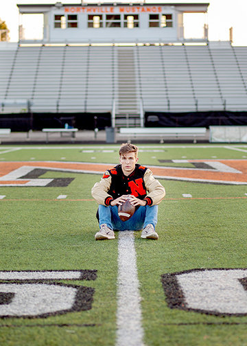 senior-portrait-novi-northville-downtown-05.jpg