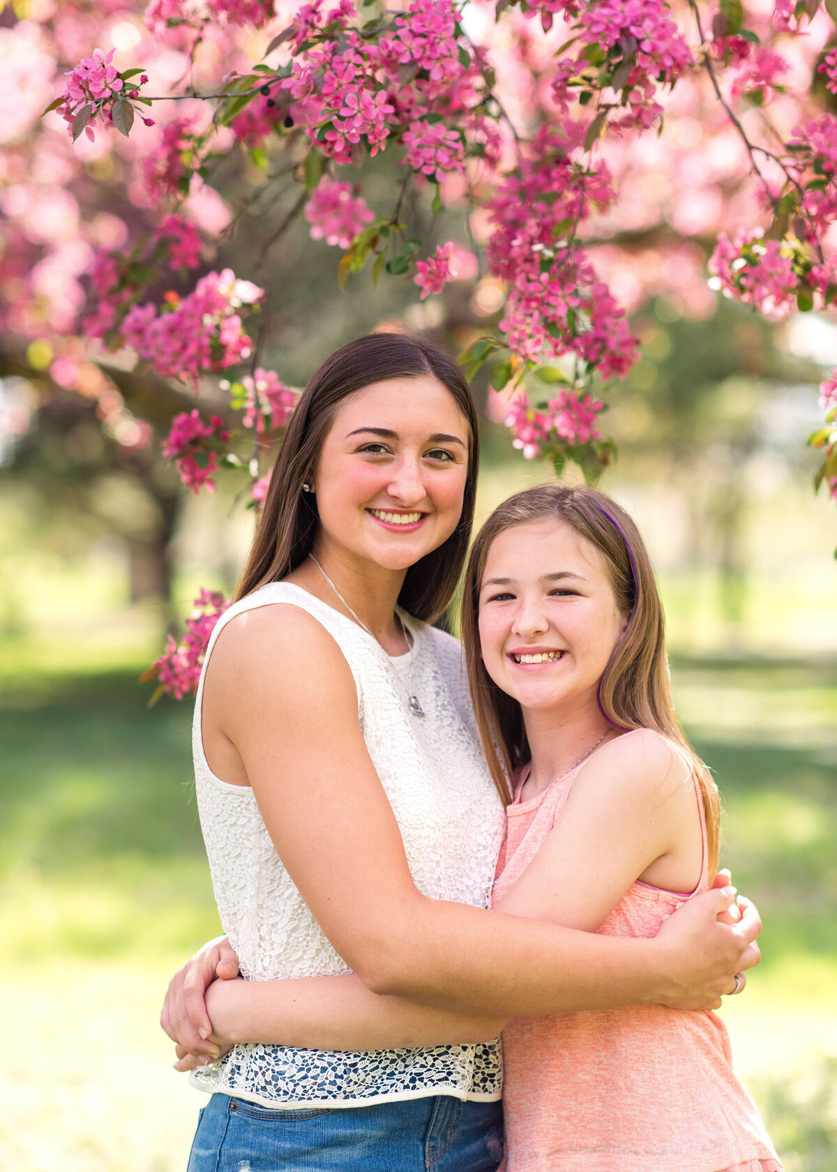 Des-Moines-Iowa-Family-Photographer-Theresa-Schumacher-Photography-Spring-Sisters