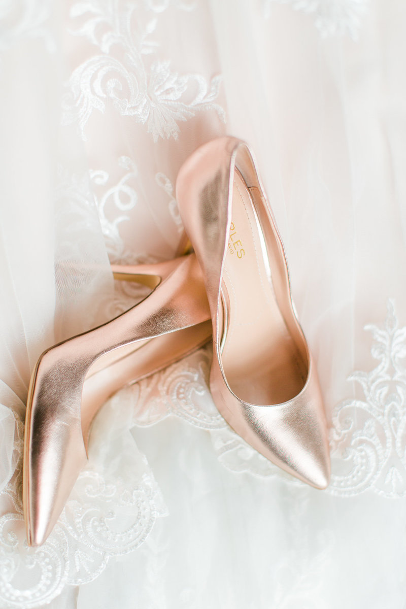 metallic-bridal-shoes-detail-shot