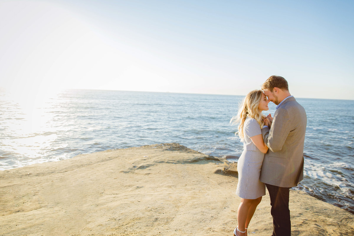 babsie-ly-photography-surprise-proposal-photographer-san-diego-california-sunset-cliffs-epic-scenery-005