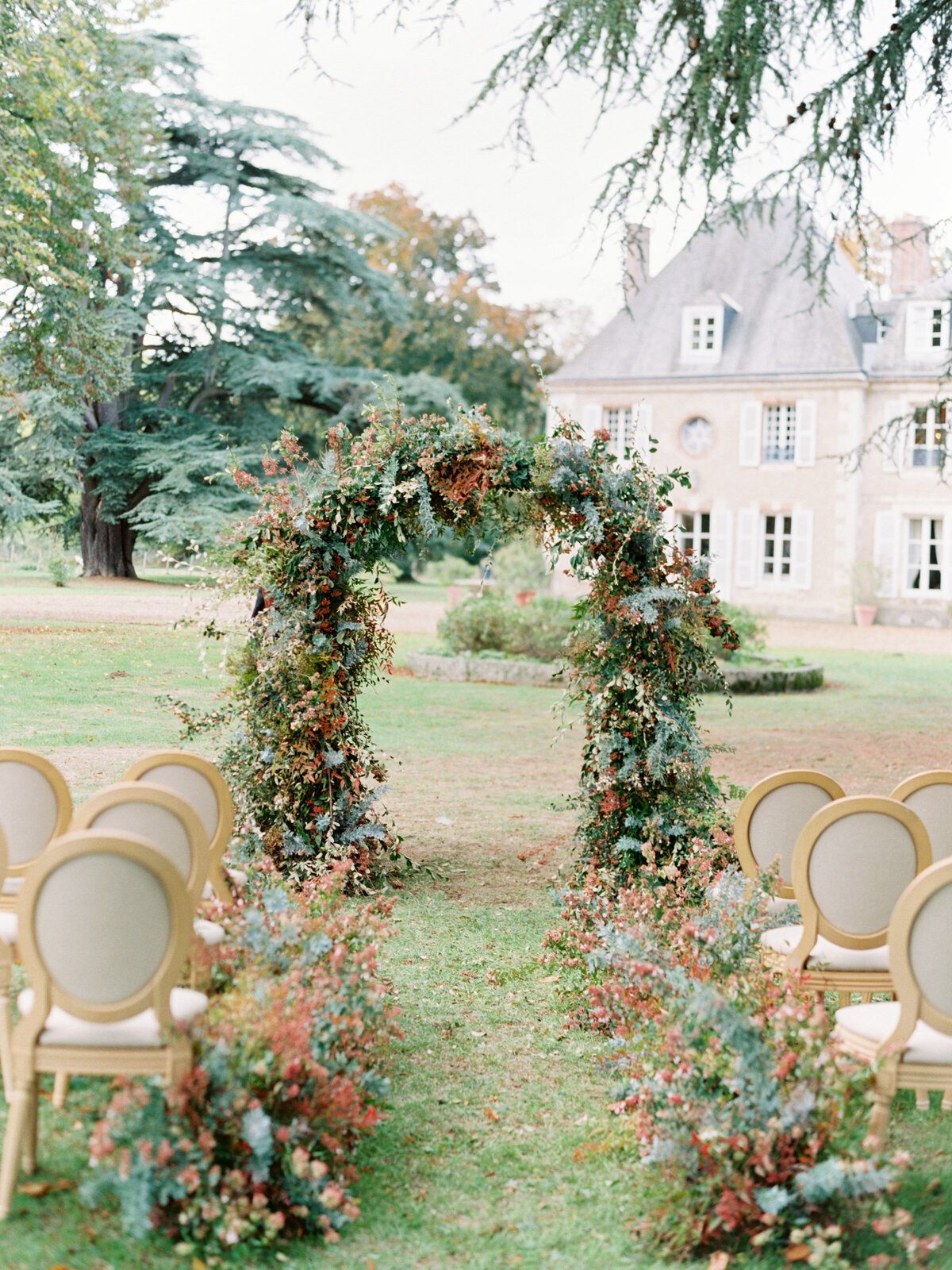 chateau-bouthonvilliers-wedding-paris-wedding-photographer-mackenzie-reiter-photography-4