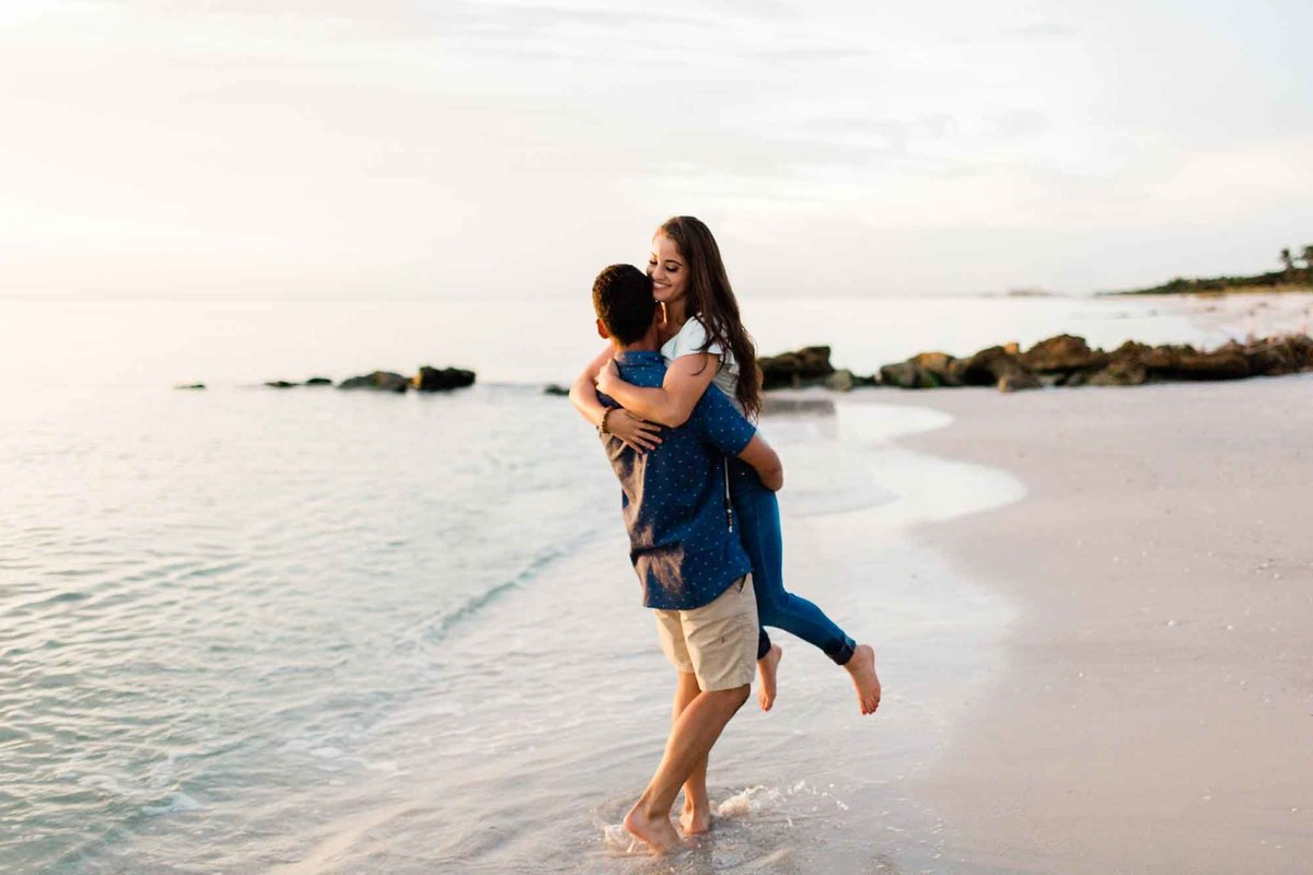 naples-beach-engagement-photos-1003