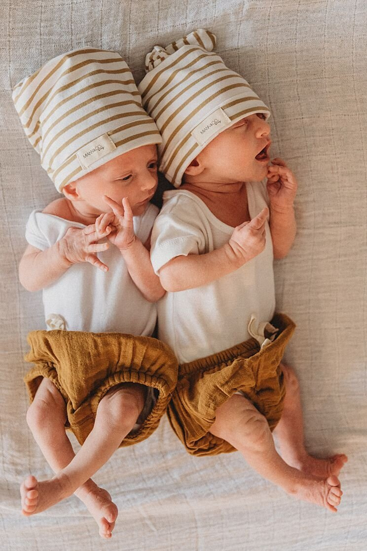 Family-Photographer-Melbourne-twins-in-home_0195
