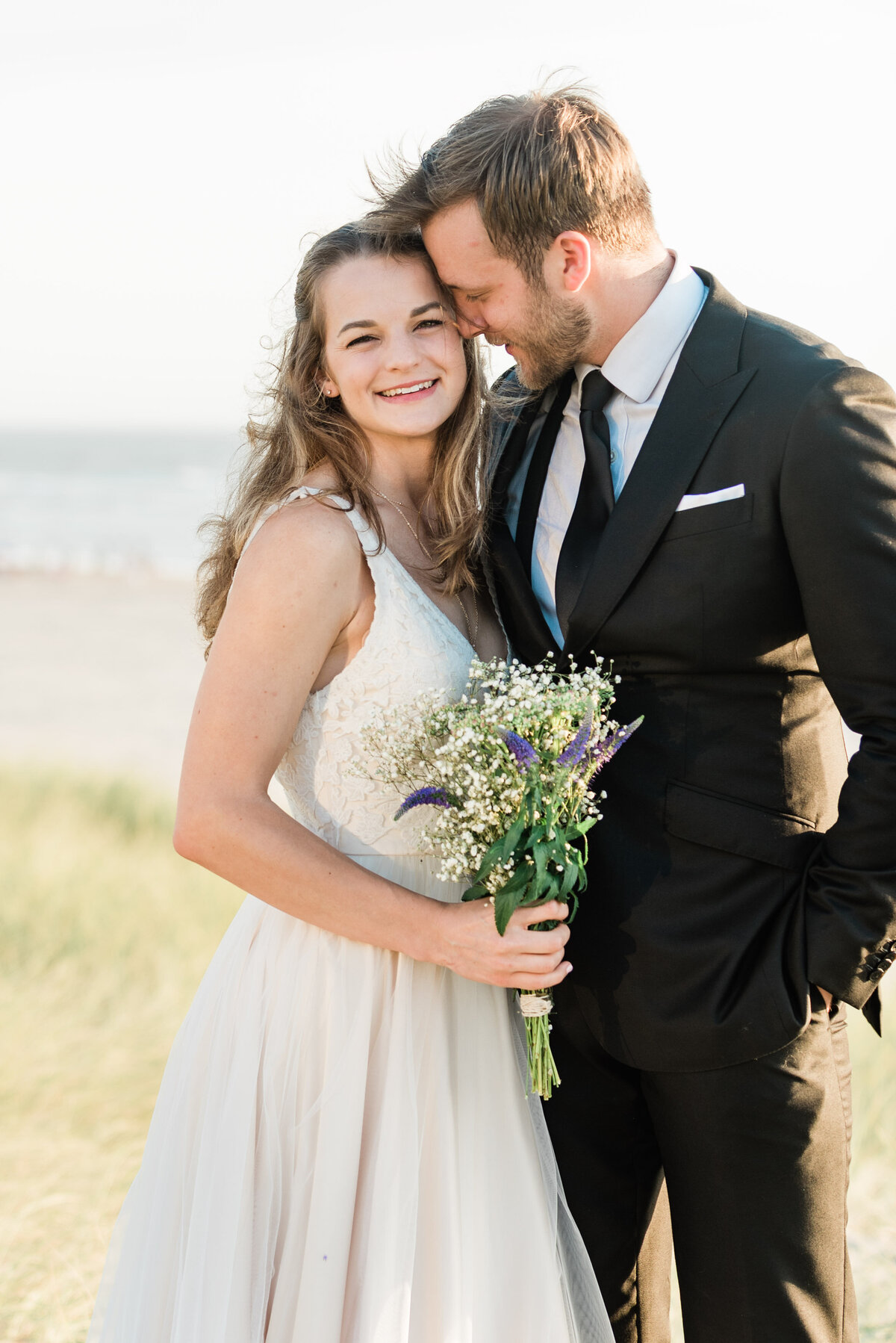 Cannon-Beach-Elopement-Photographer-35