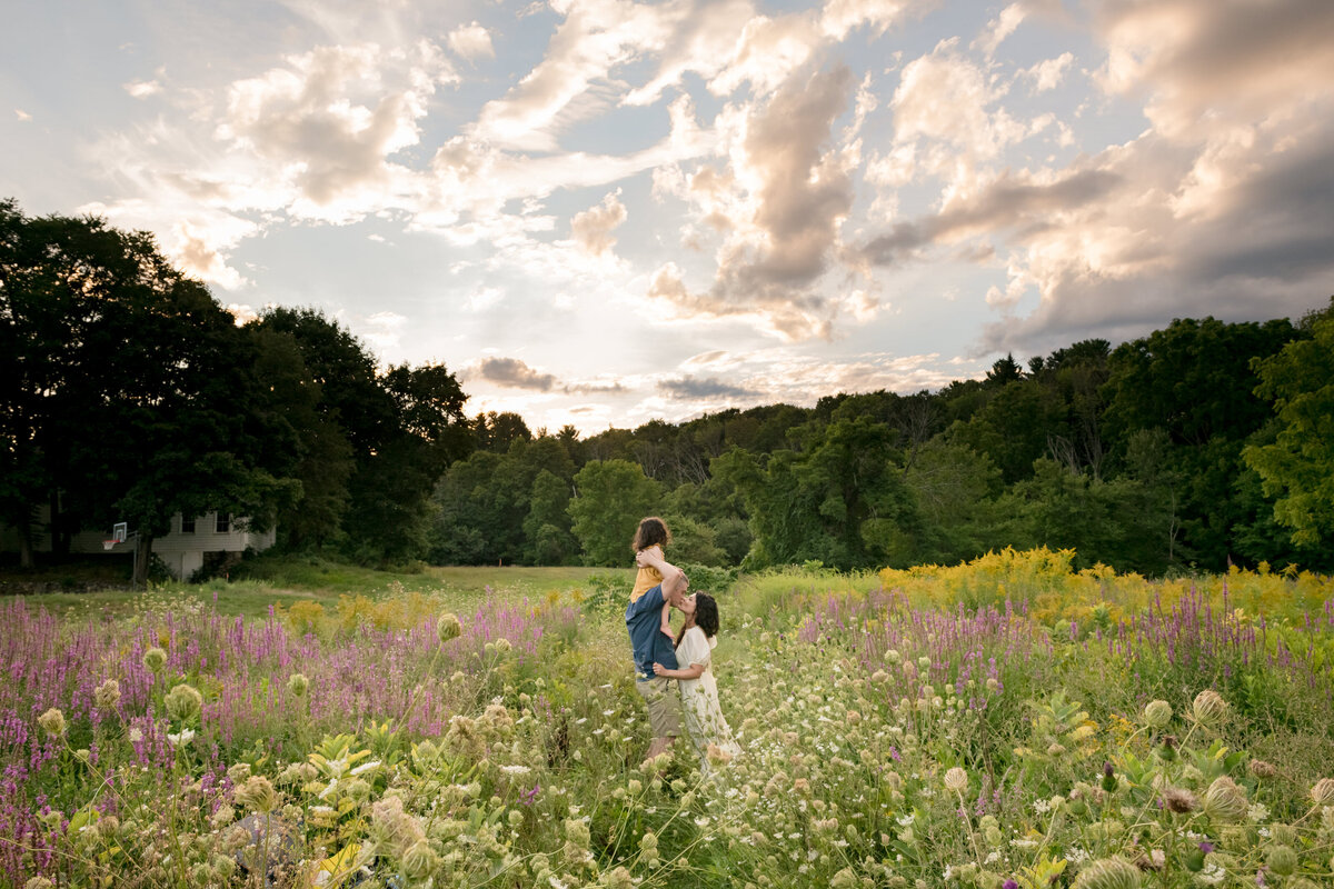 Boston-family-photographer-bella-wang-photography-Lifestyle-session-outdoor-wildflower-87