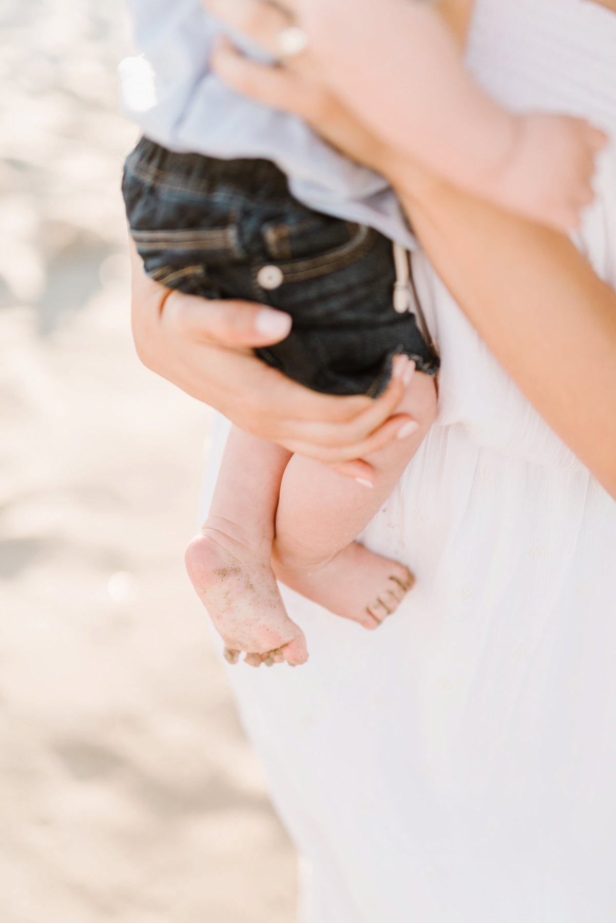 crane-beach-family-session-boston-lifestyle-newborn-photographer-photo_0013