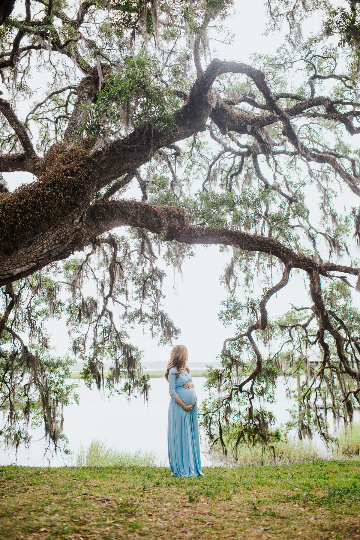 Savannah maternity session by Izzy + Co.