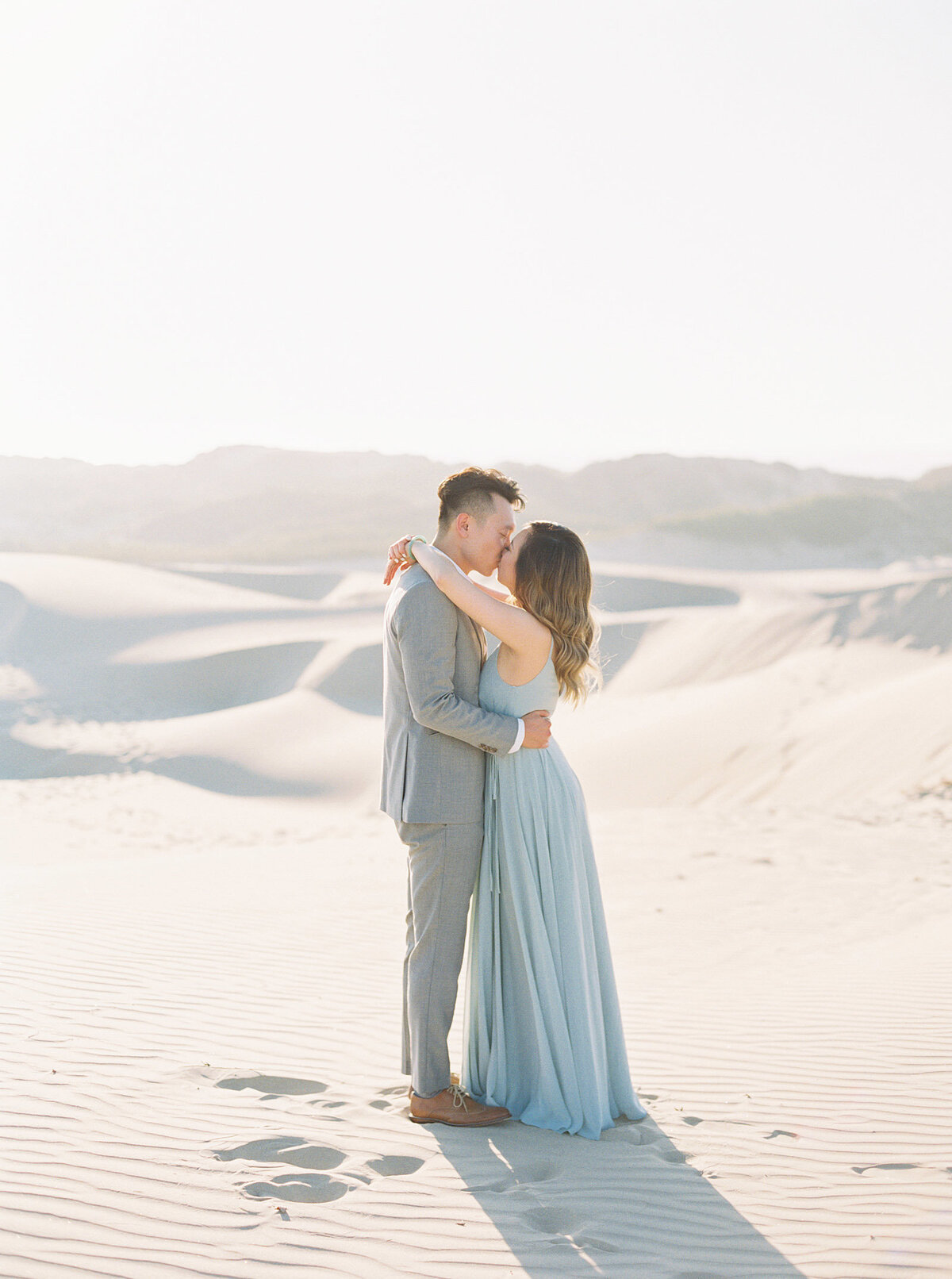 sand-dune-engagement-photos-1