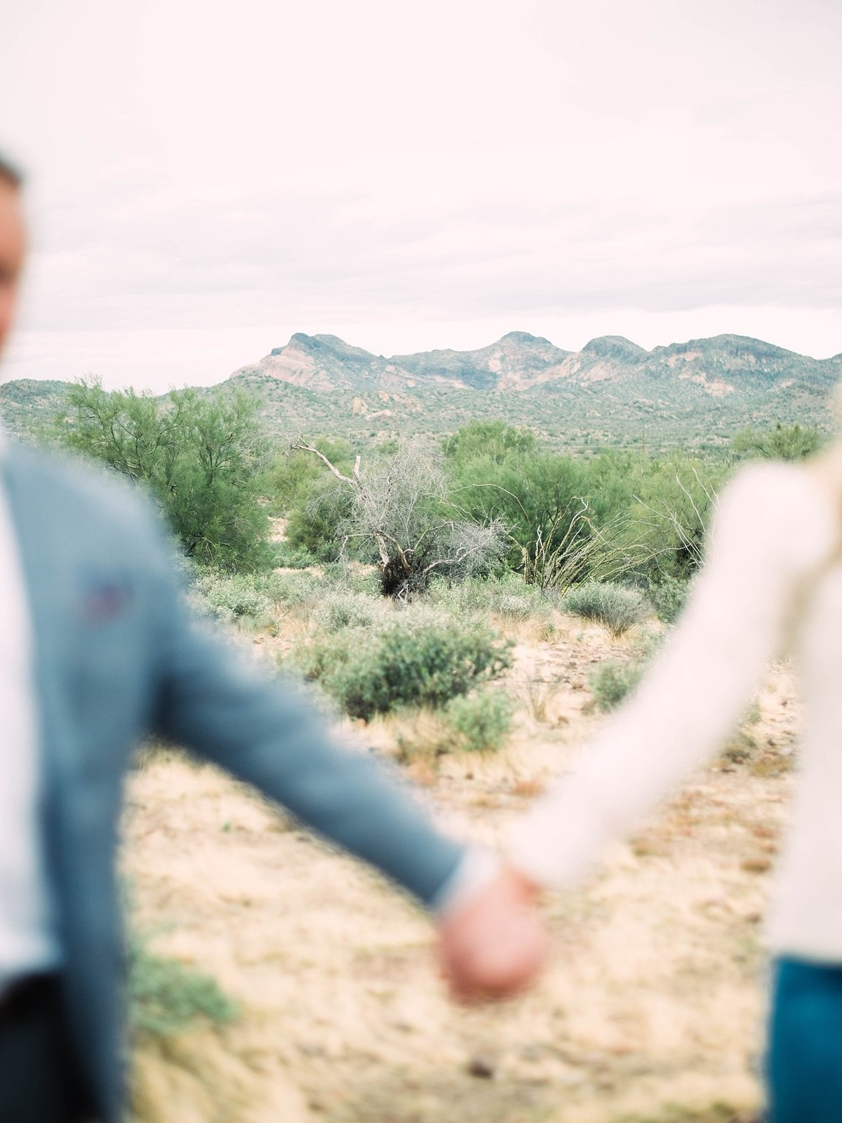 scottsdale-arizona-wedding-photographer-engagement-desert_0029