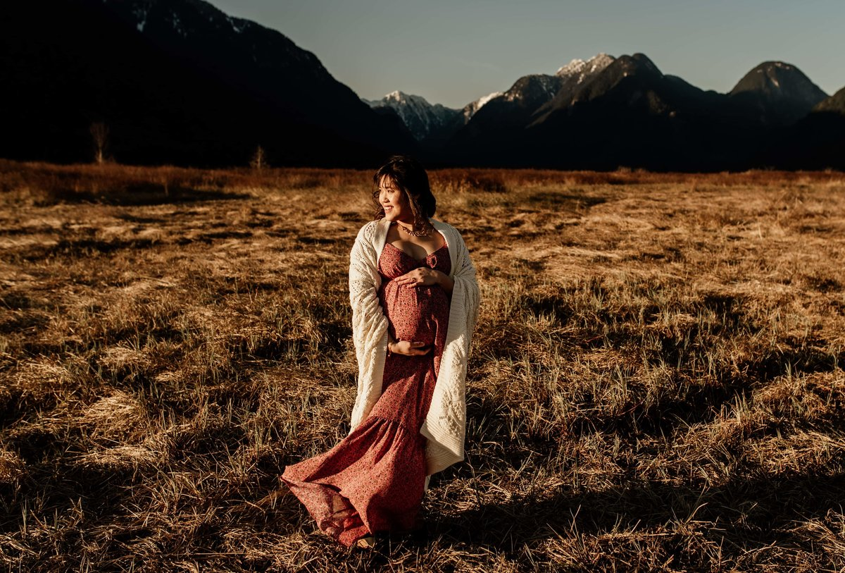 maternity session in mountains