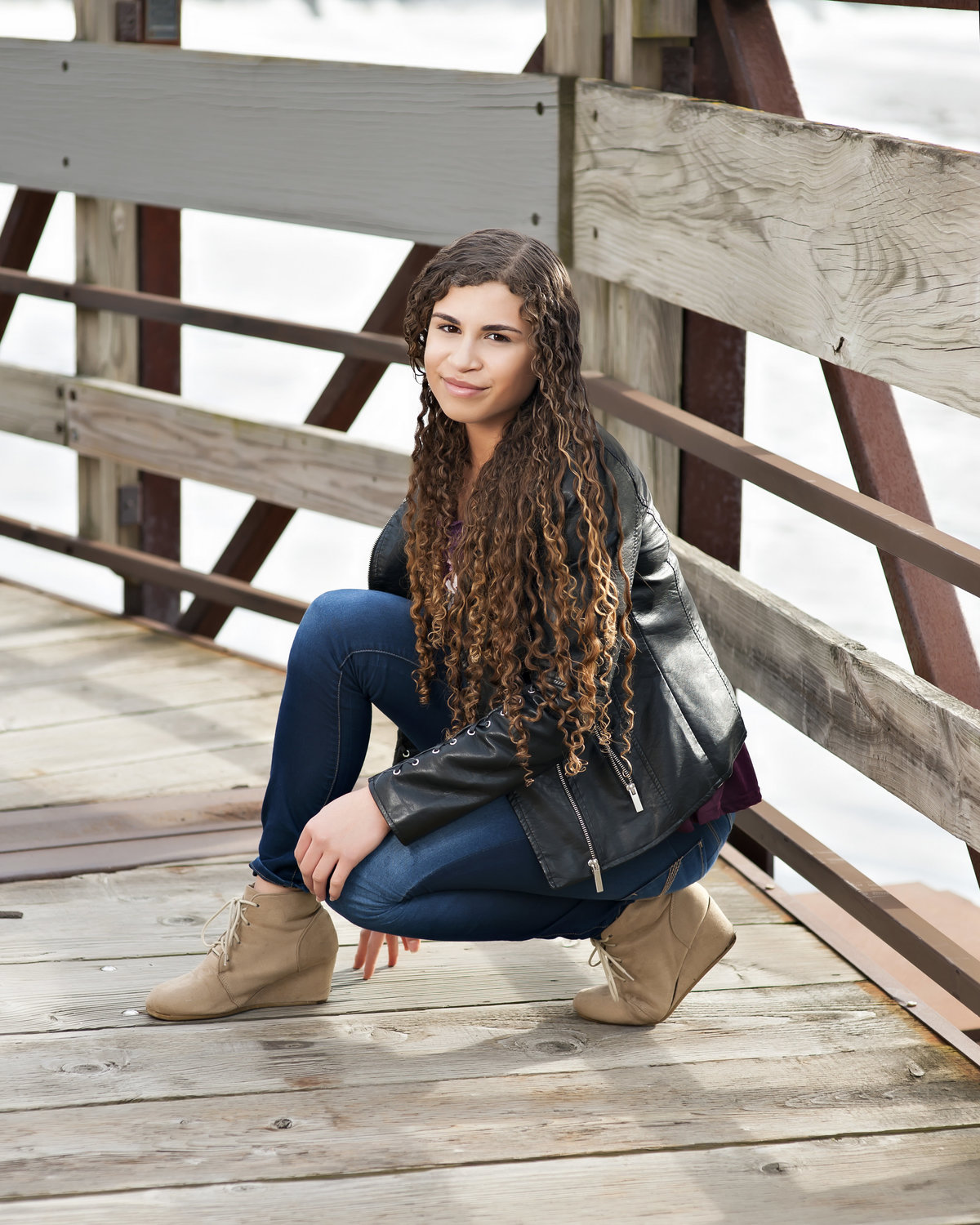 senior pictures in lansing michigan on the bridge