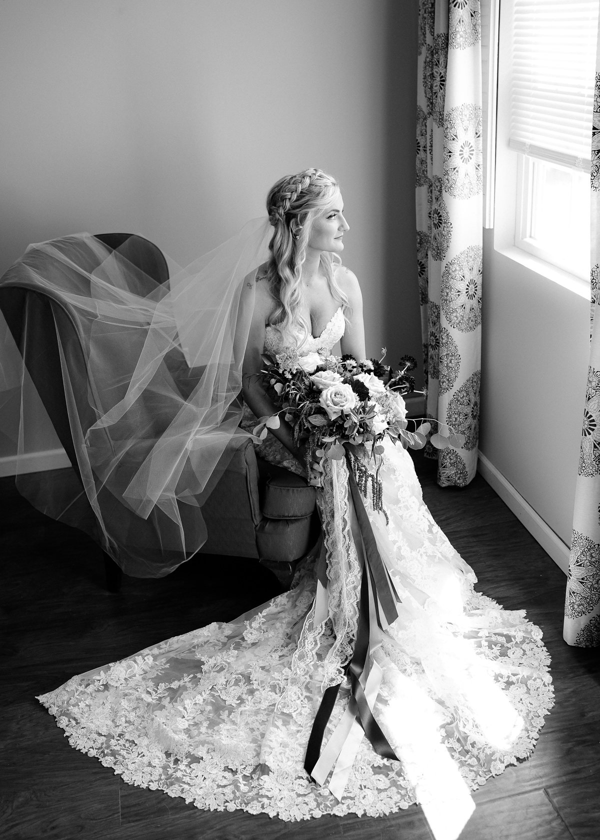 bride-getting-ready-misty-farm