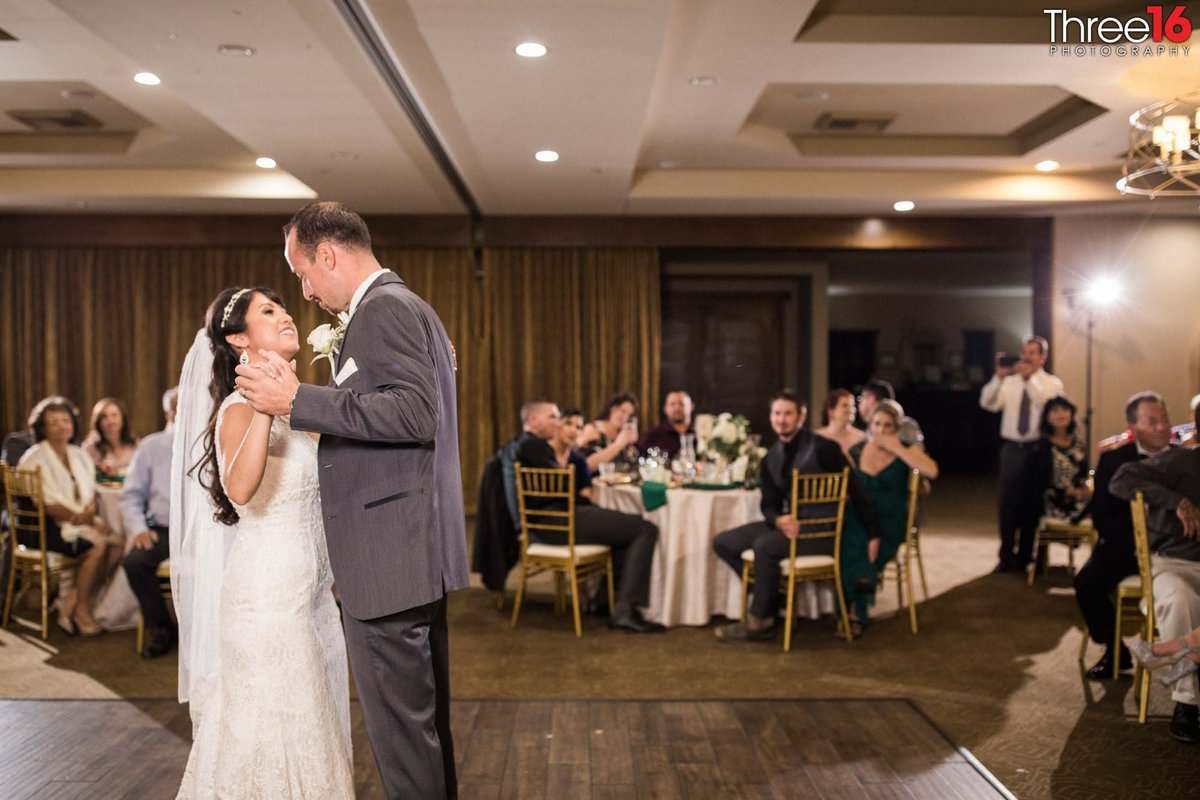 First Dance Wedgewood Weddings Vellano