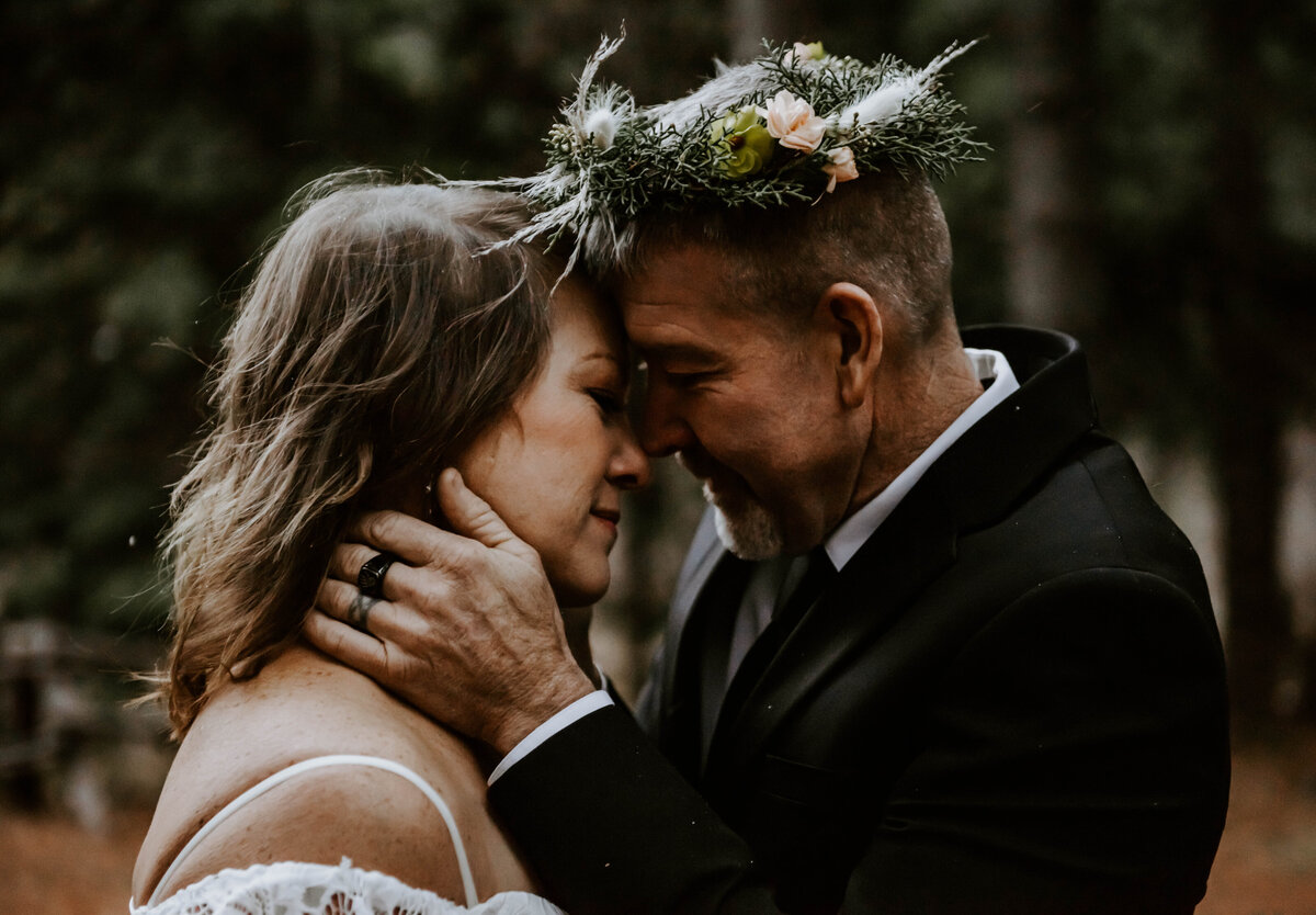 suttle-lake-sisters-oregon-lodge-woods-vow-renewal-photographer-wedding-elopement-3174