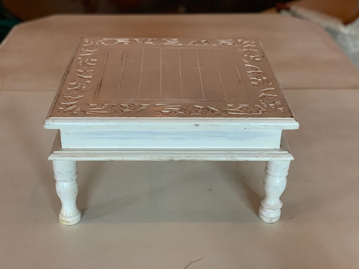 white wood cake stand with legs