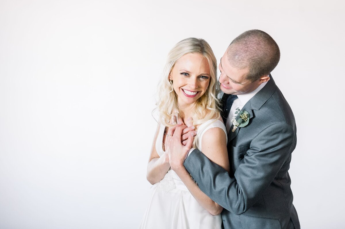 Warehouse-215-wedding-by-Leslie-Ann-Photography-00034