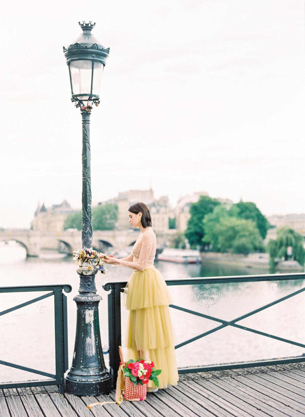 destination wedding photographer paris the lourve amelia soegijono 024