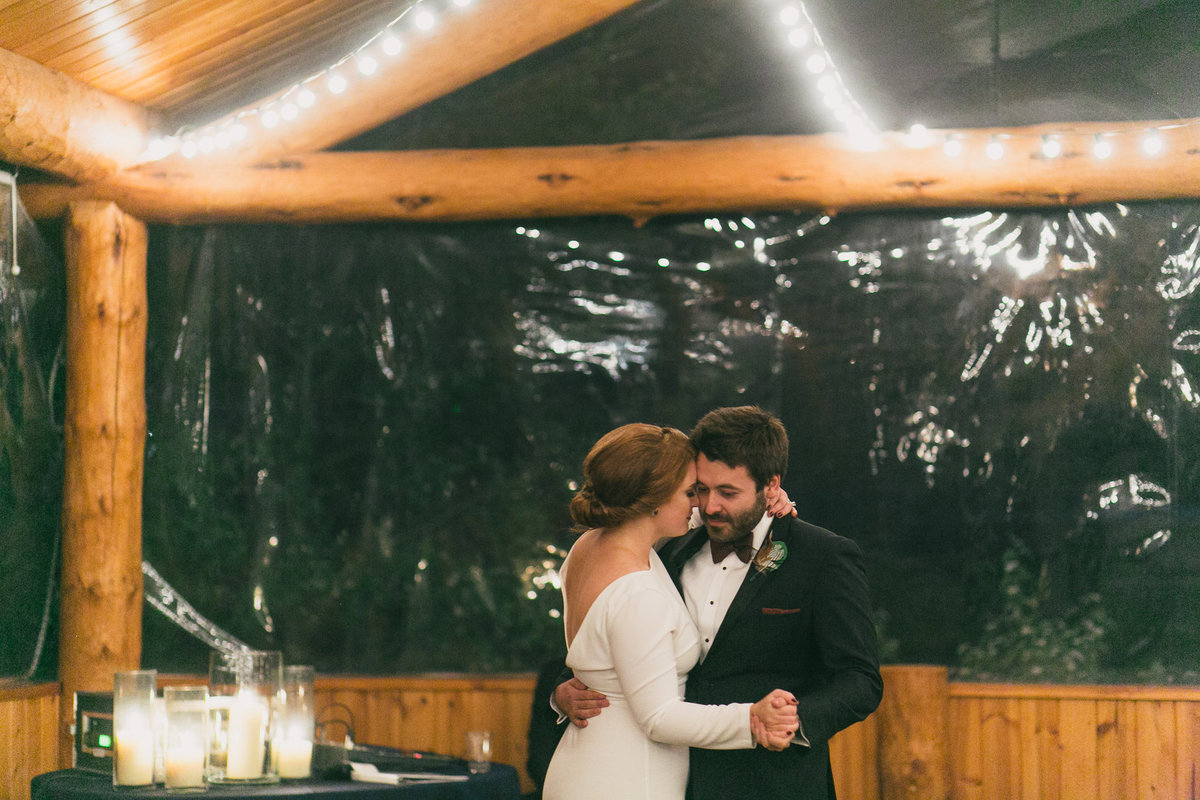 Jennifer_Mooney_Photography_Abbey_Stephen_Fall_Winter_Glacier_Park_Elopement-208