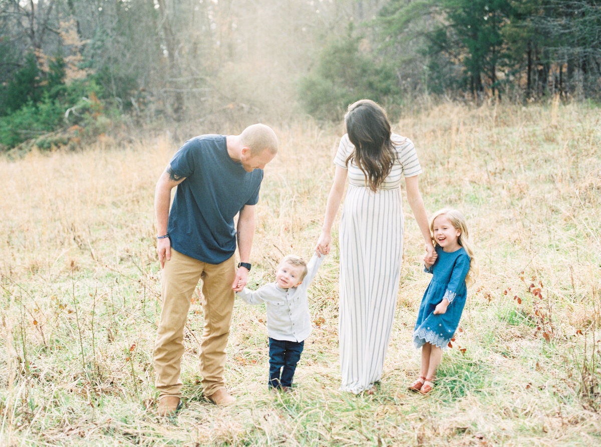 CastleMaternity-LaurenJollyPhotography-42