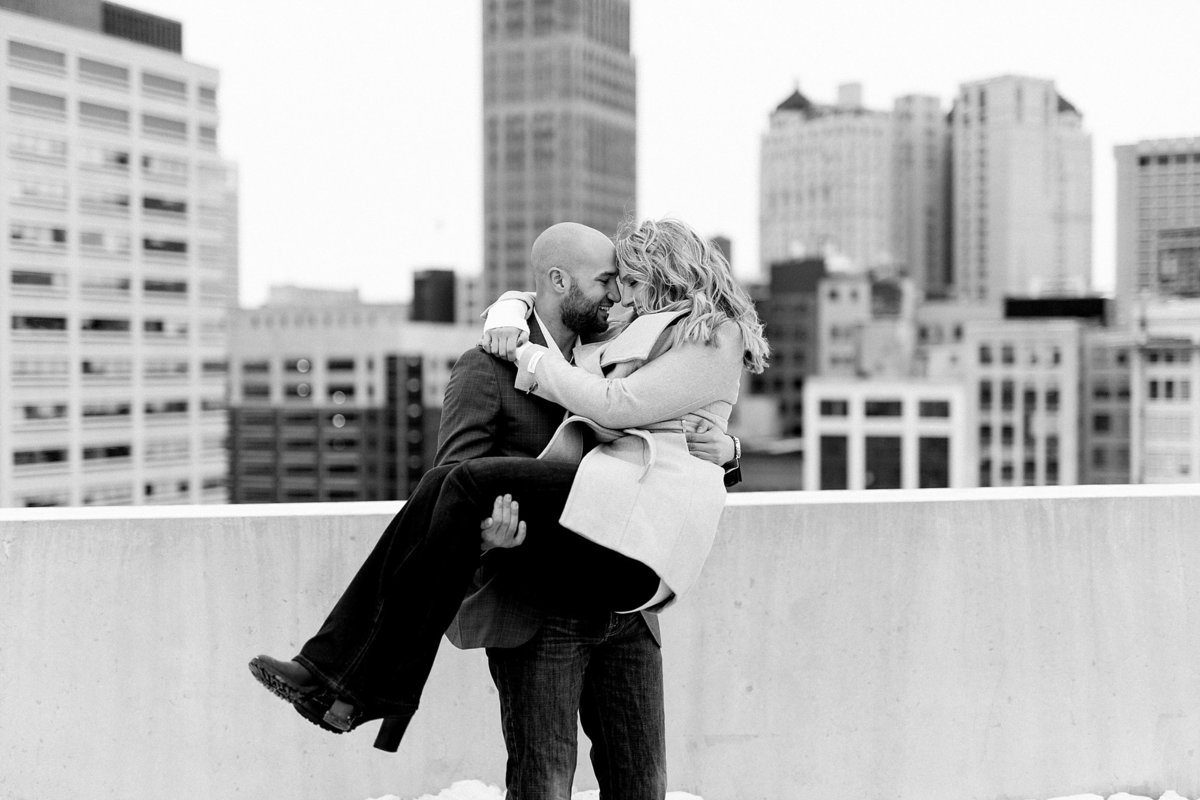 Allison-Joe-Detroit-Winter-Engagement-Breanne-Rochelle-Photography15