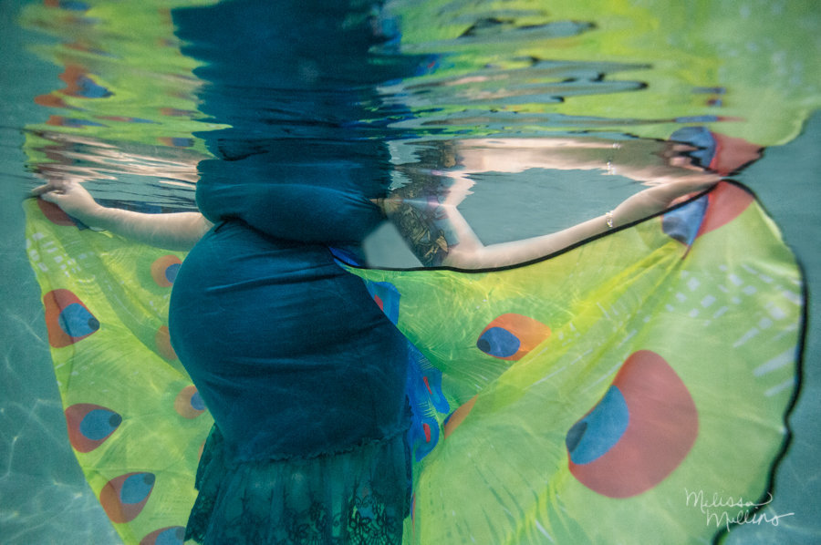 peacock-inspired-maternity-session-photography-denver-fine-art-underwater-photo