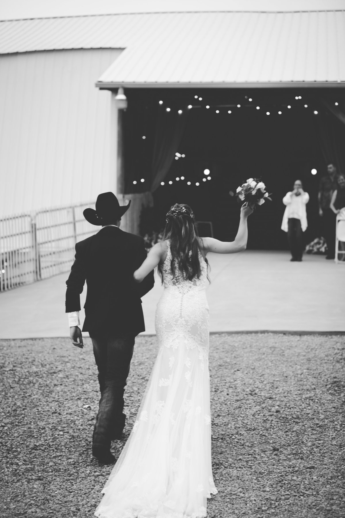 Nsshville Bride - Nashville Brides - The Hayloft Weddings - Tennessee Brides - Kentucky Brides - Southern Brides - Cowboys Wife - Cowboys Bride - Ranch Weddings - Cowboys and Belles113