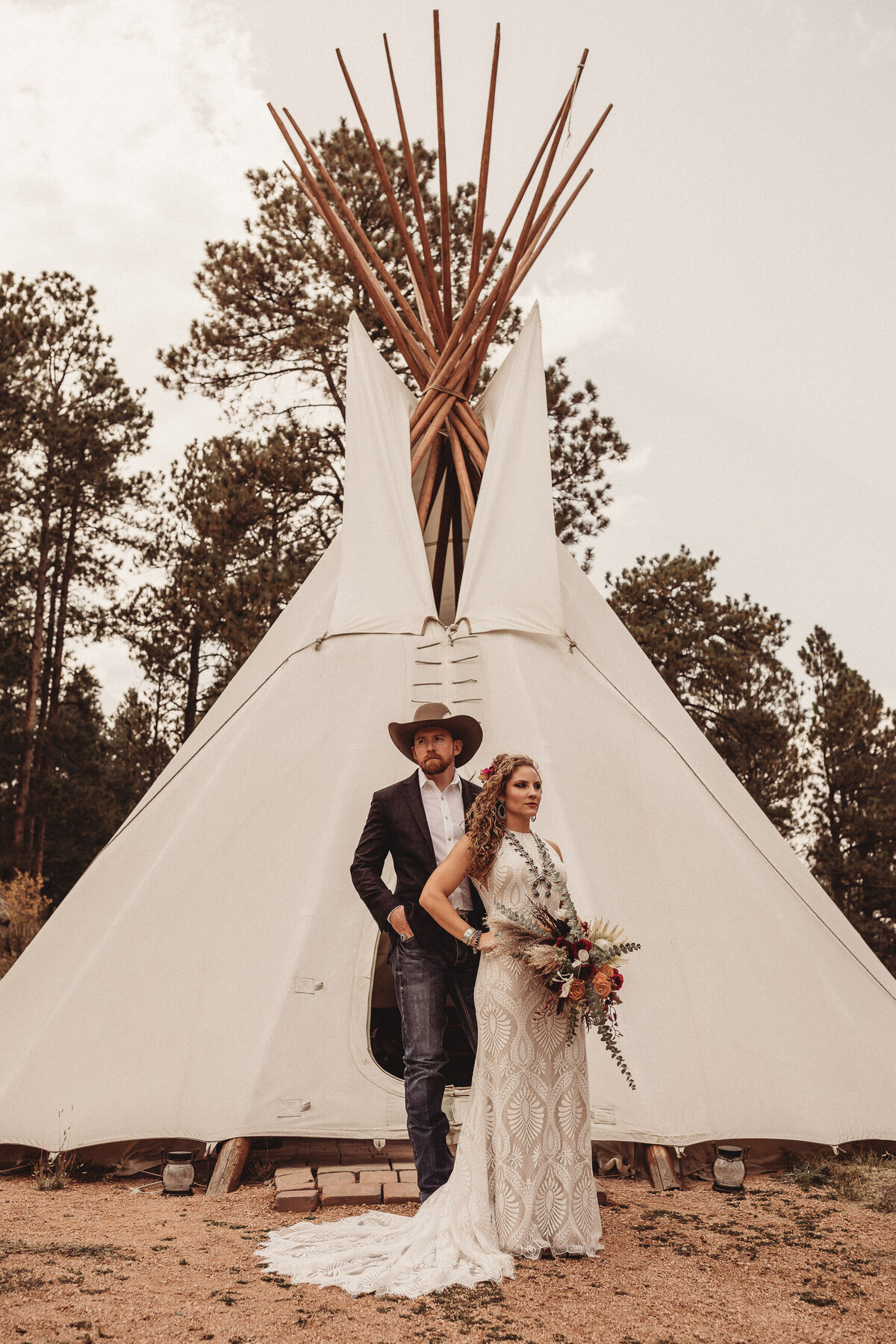 younger-ranch-wedding-Native-Roaming-Photography-26