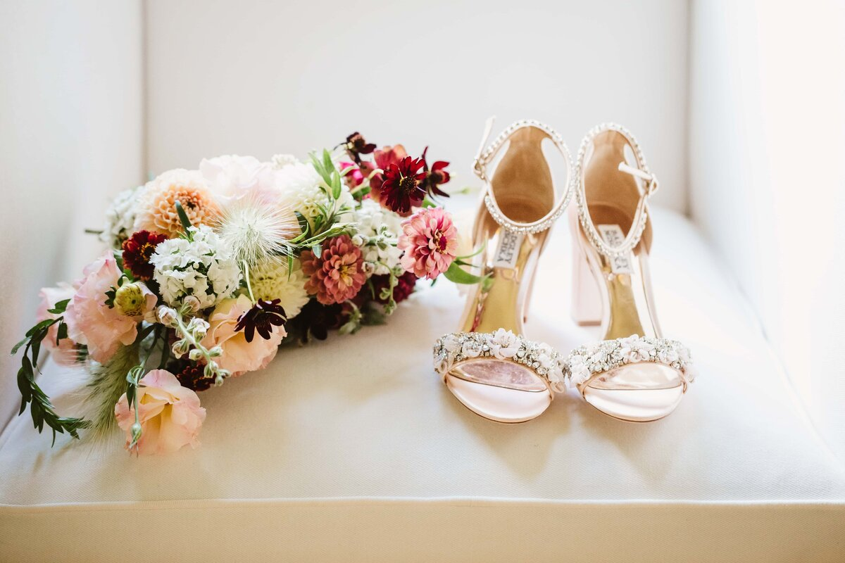 wedding-bouquet-and-shoes