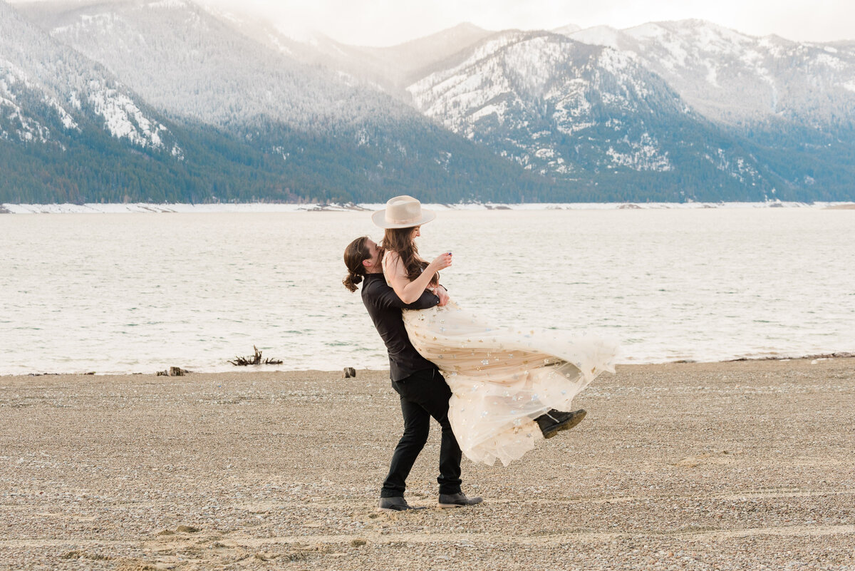 Cle-Elum-Washington-Lake-Elopement-Photographer-Photography-64