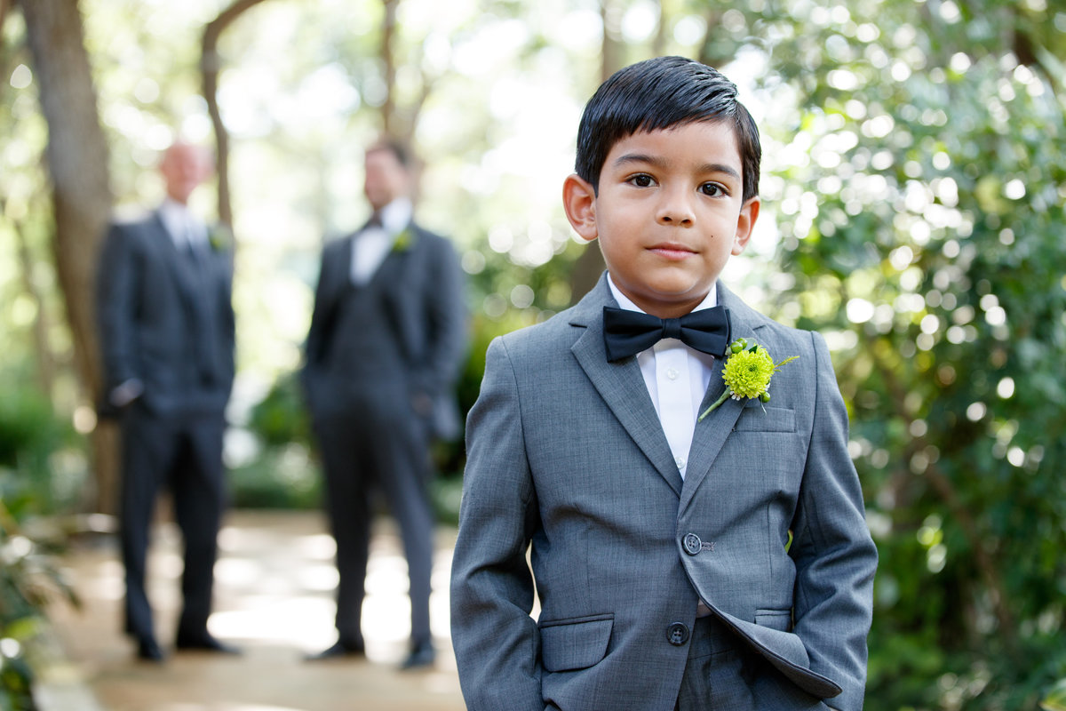 Austin wedding photographer casa blanca on brushy creek bride groom son