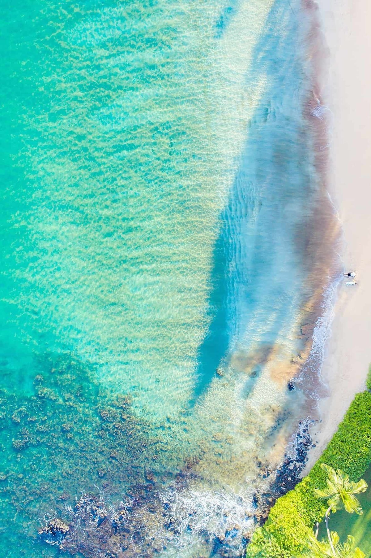 Couple photographed by drone in Hawaii