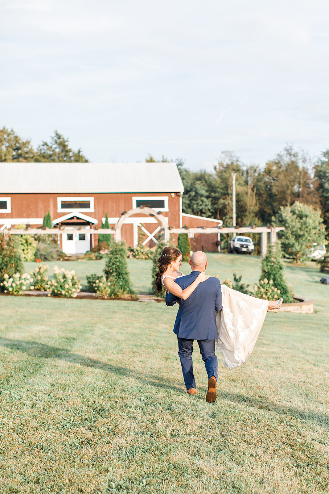 Virginia Wedding Photography Barn at Kline's Mill near Harrisonburg, Virginia 12