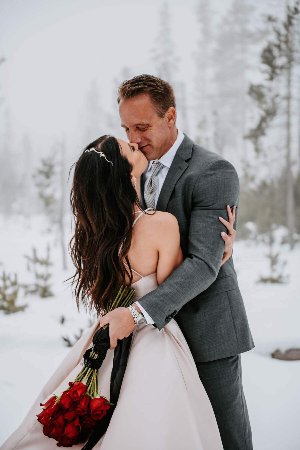 mt-bachelor-snow-winter-elopement-bend-oregon-wedding-photographer-2294