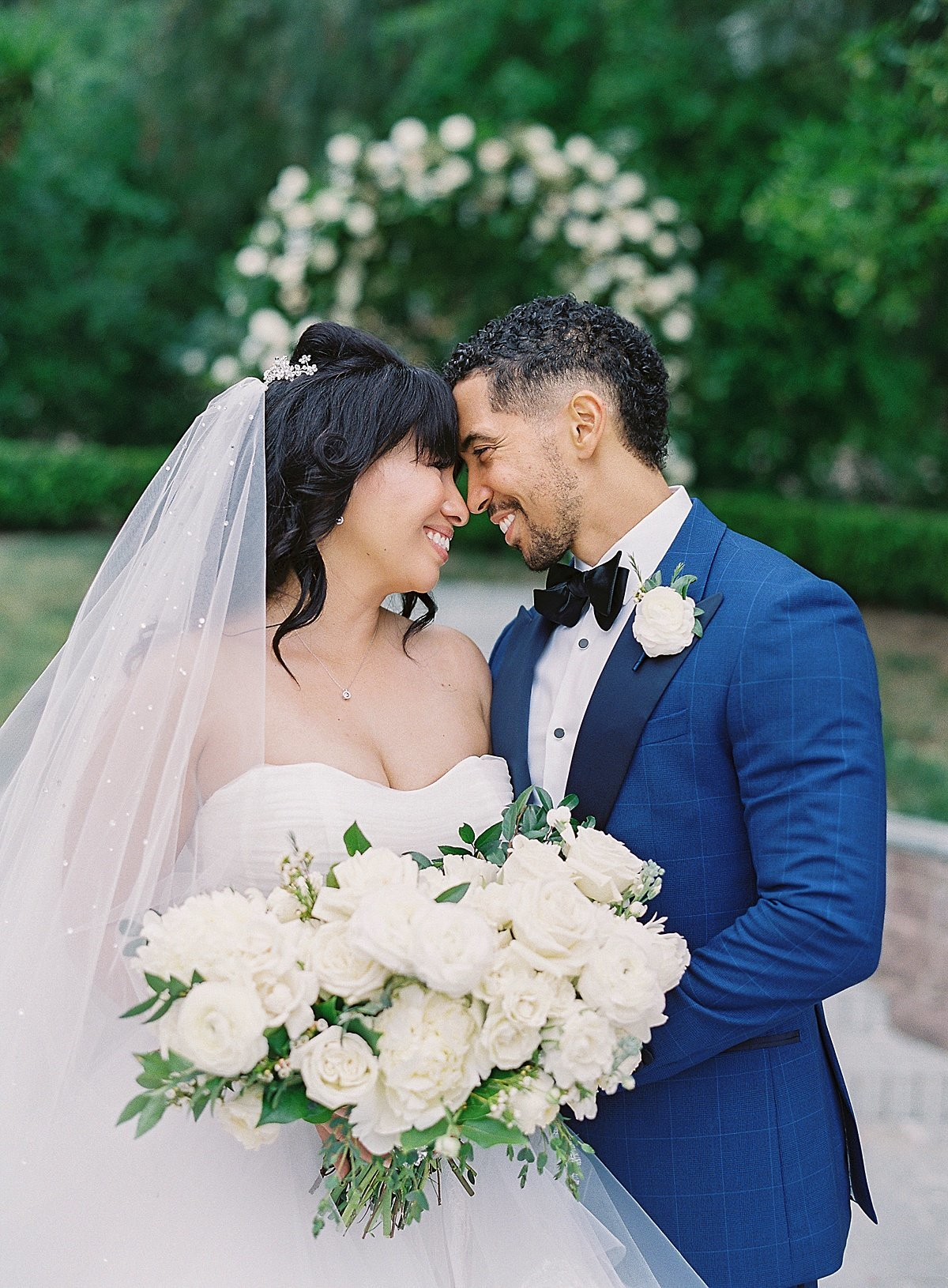 Posh Peony Newhall Mansion Piru Lush White Floral and Greenery Wedding_0022