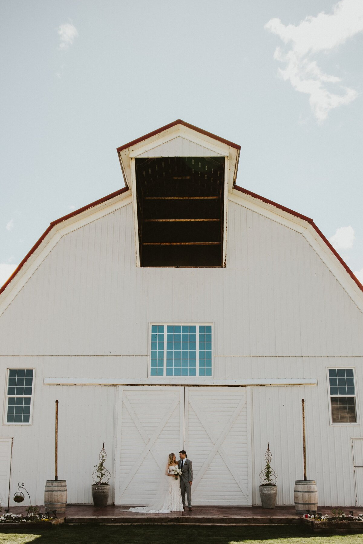 White-Barn-Estate-Romantic-Oregon-Wedding-204