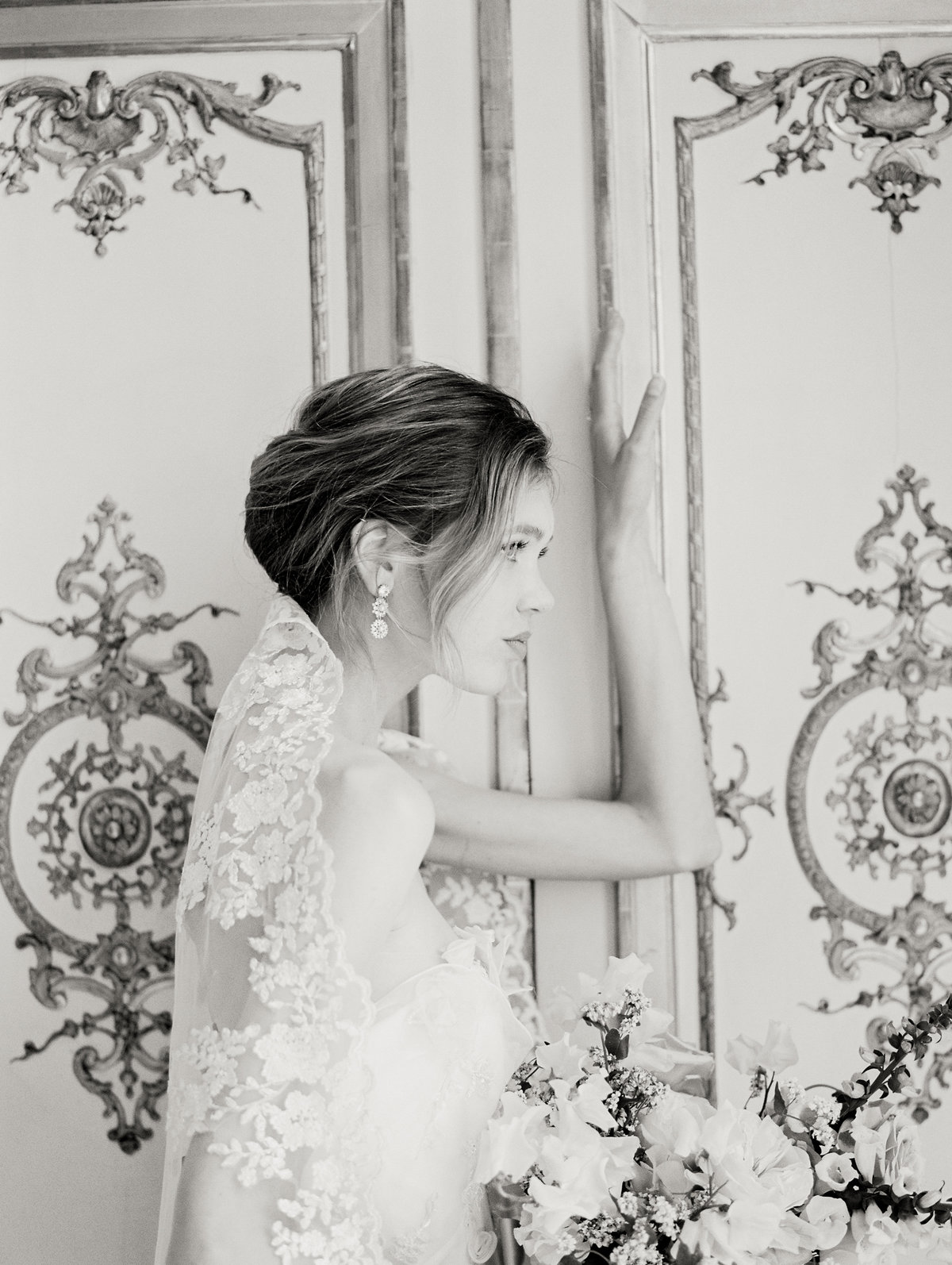 Bride-Parisian Wedding at Hotel D'Evreux