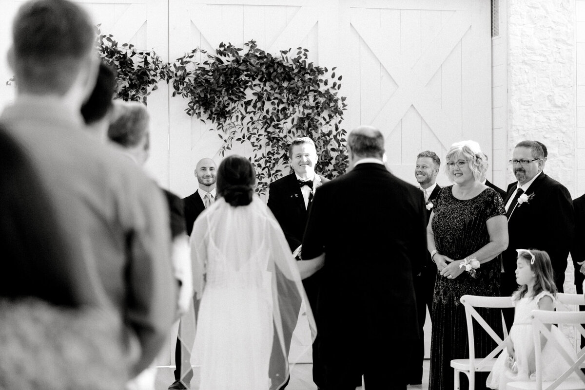 Anna & Billy's Wedding at The Nest at Ruth Farms | Dallas Wedding Photographer | Sami Kathryn Photography-73