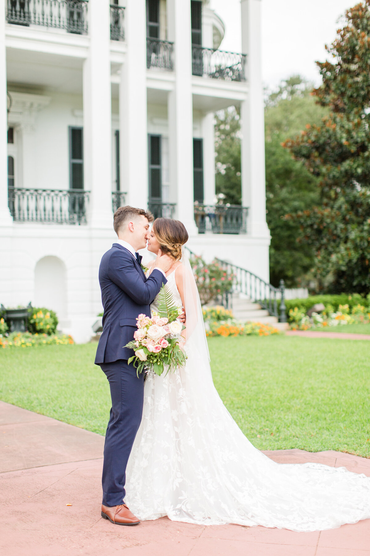 Renee Lorio Photography South Louisiana Wedding Engagement Light Airy Portrait Photographer Photos Southern Clean Colorful17