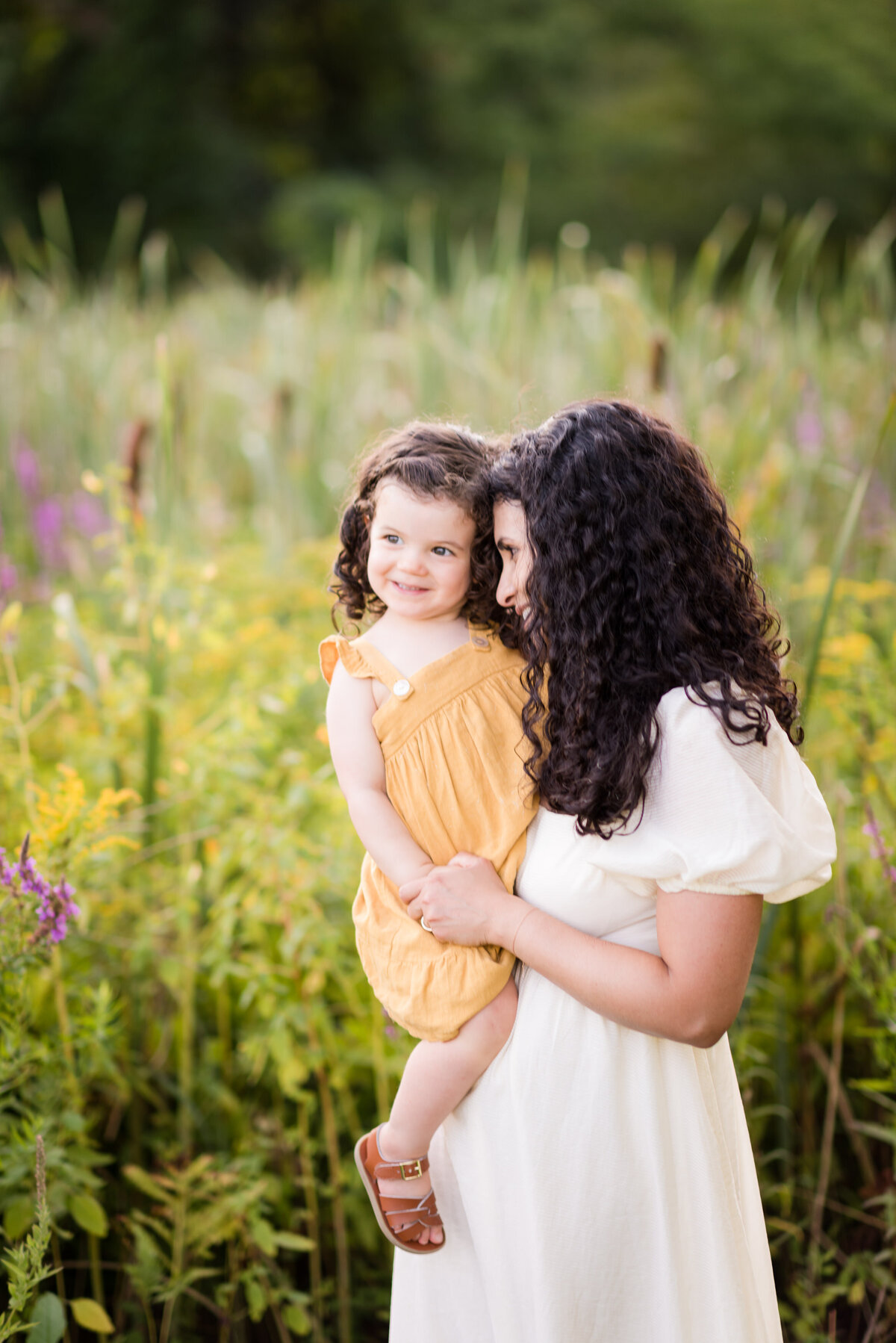 Boston-family-photographer-bella-wang-photography-Lifestyle-session-outdoor-wildflower-50