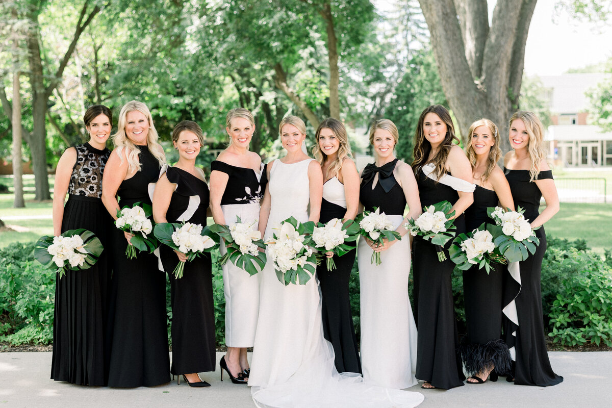 Minneapolis Wedding Photographer, Minneapolis Luxury Photogrpaher, Minnesota wedding photographer, Minneapolis light and airy photographer, luxury wedding photographer, Bridesmaid dresses