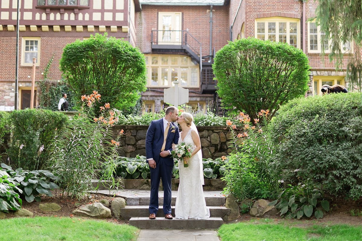 Julie-Barry-English-Inn-Summer-Garden-Wedding-Michigan-Breanne-Rochelle-Photography65