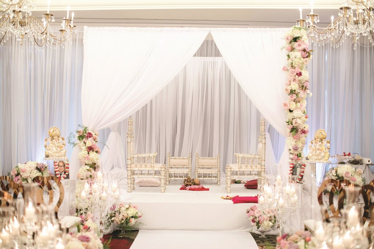 hindu-wedding-ceremony-white-blush-gold-mandap-3