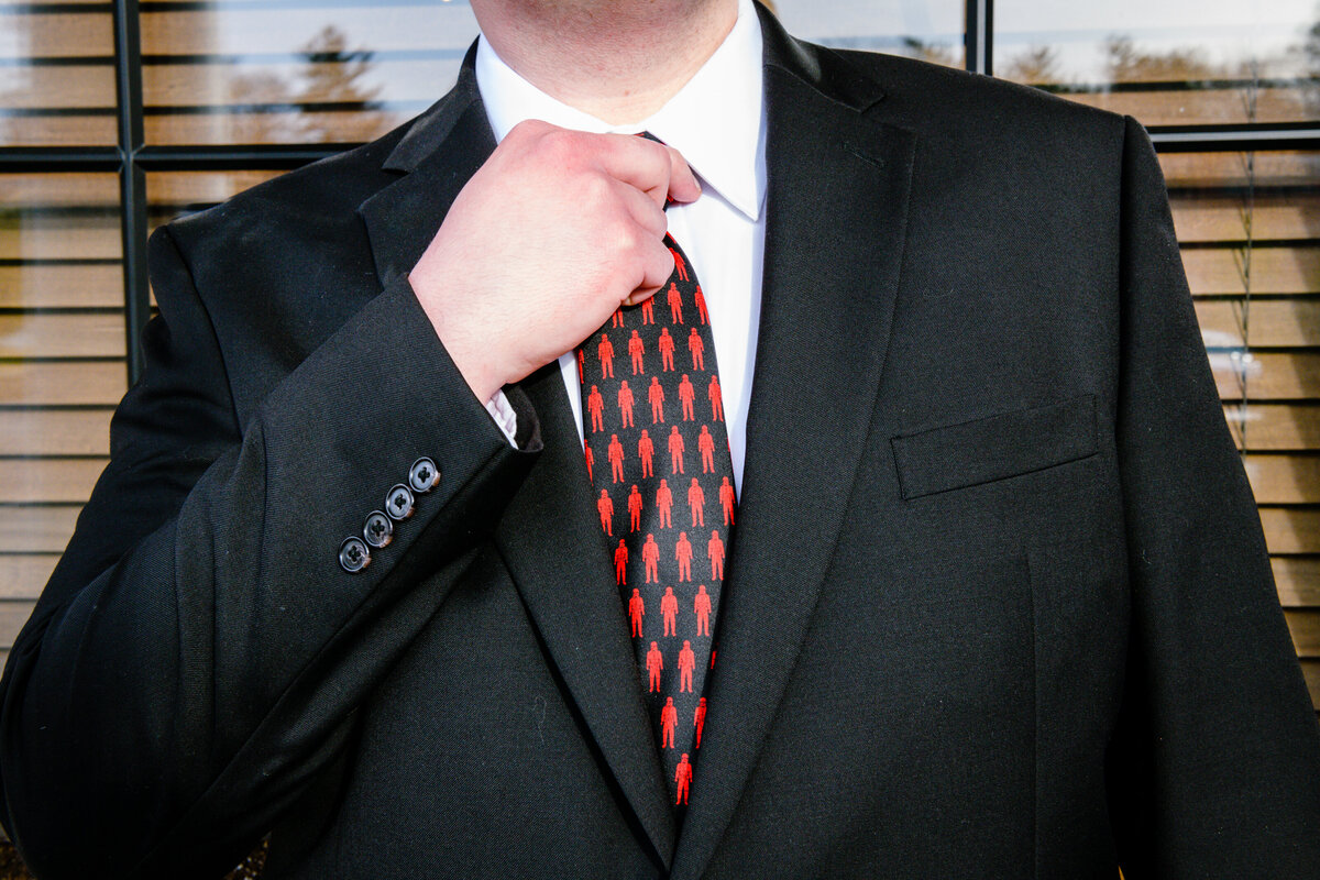 l'andana-wedding-portrait-burlington-massachusetts-groom-tie-details