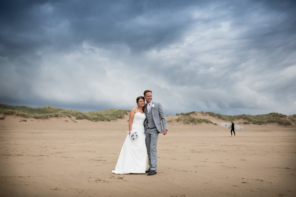 photographer in north devon surf wedding