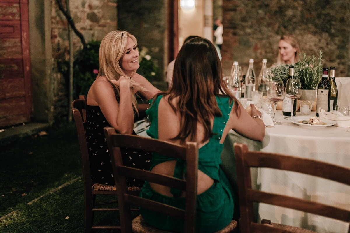 20_Tuscany_Luxury_Wedding_Photographer (20 von 37)_A stylish and elegant luxury wedding in Tuscany captured by Italy wedding photographer Flora and Grace.