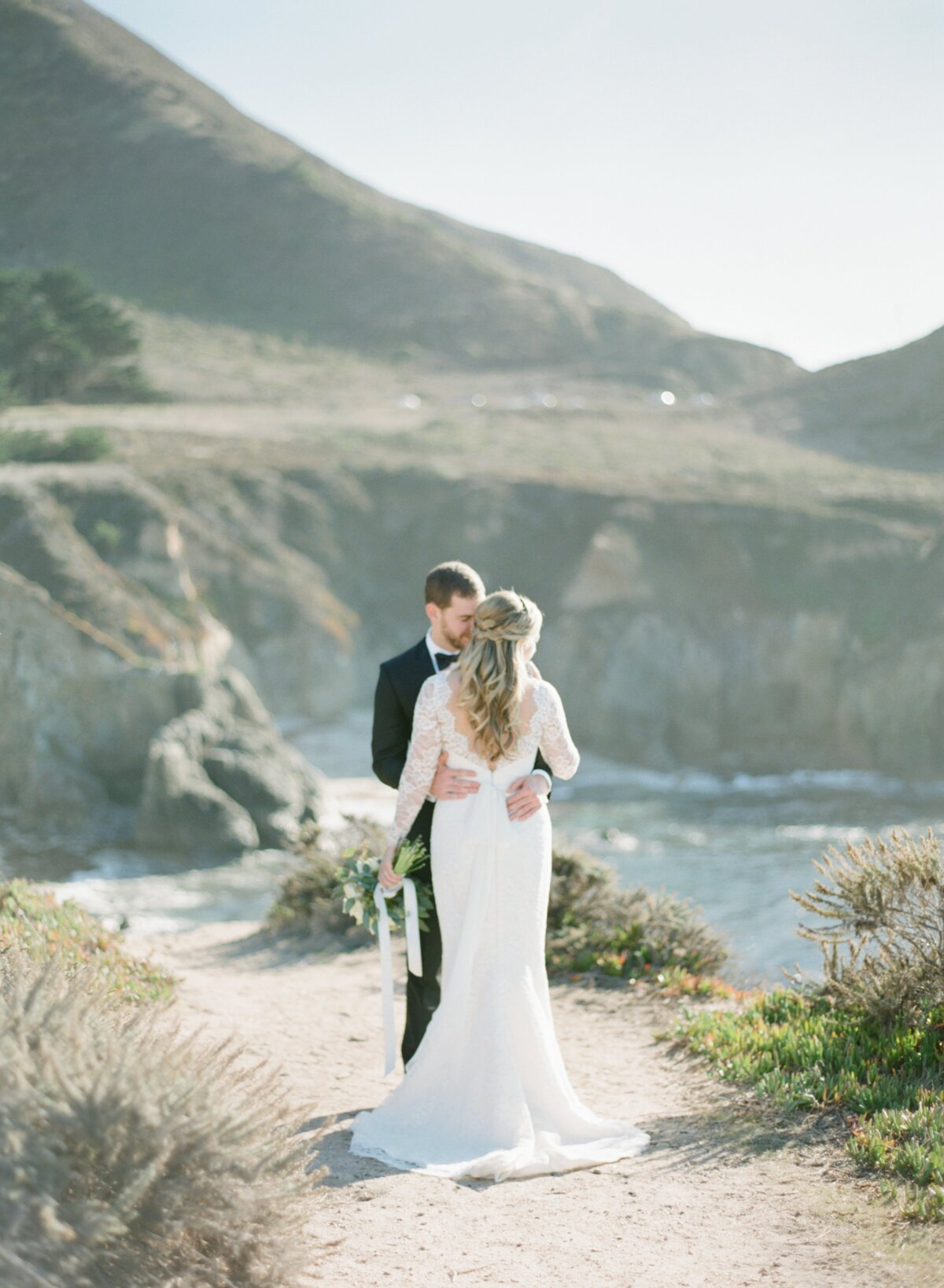 Bride and groom elope in Big Sur