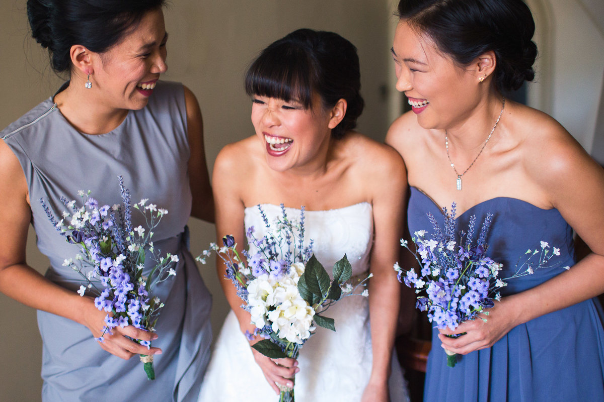 destination-wedding-photographer-rhode-island-wedding-laughing-bride-and-bridesmaids